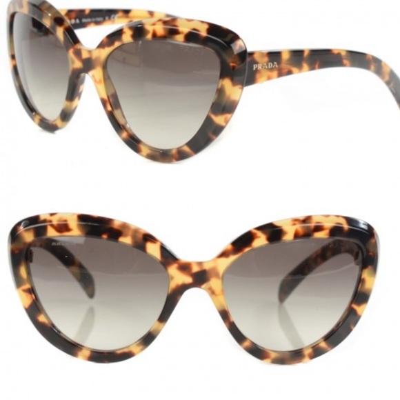 7db2e712b20e SALE•••Prada Authentic Sun Glasses
